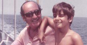Με μια φωτογραφία μαζί του, από την παιδική του ηλικία, αποχαιρετά ο Κυριάκος Μητσοτάκης τον πατέρα του -«Σε ευχαριστώ για όλα»