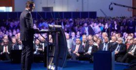 Ο Κυριάκος Μητσοτάκης αιφνιδιάζει με προεκλογικό συνέδριο