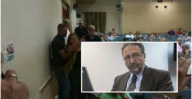 Αποδοκιμασίες για τον υφυπουργό Οικονομίας Πιτσιόρλα στη Λάρισα