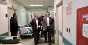 Αιφνιδιαστική επίσκεψη του Μητσοτάκη στο Αττικό Νοσοκομείο