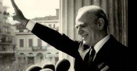 21 από τον θάνατο του Εθνάρχη Κωνσταντίνου Καραμανλή